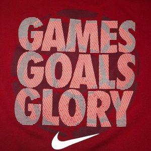 Nike boys athletic shirt size 14